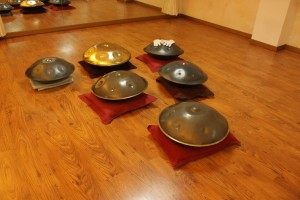 handpans en sala de los talleres (barcelona)